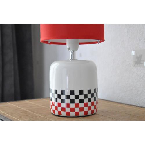 lampe blanche carreaux noir rouge